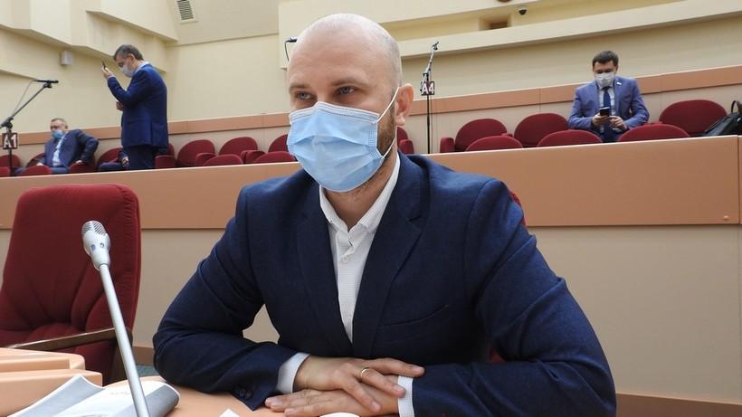 Саратовский депутат обнаружил, что стал героем платного ролика
