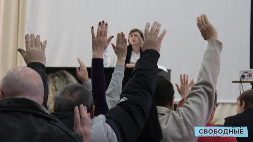Депутаты приняли отставку главы Питерского района Егорова