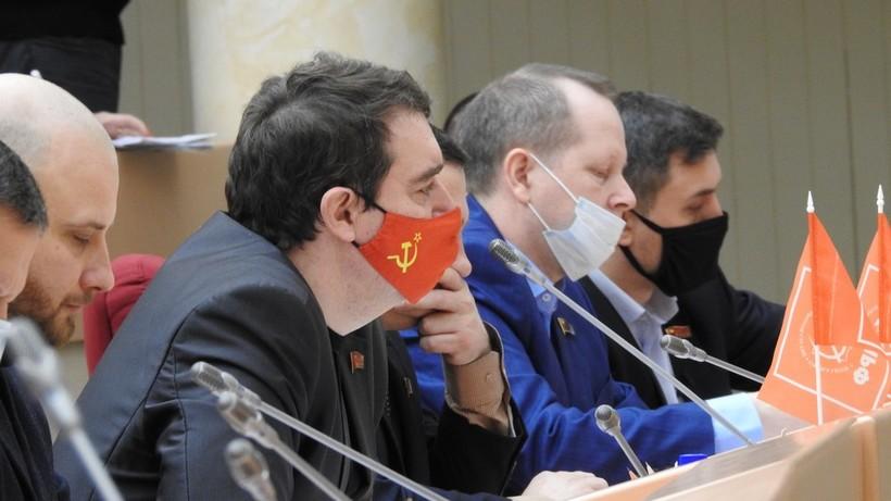 Саратовских коммунистов наказали за митинги и ролики публикацией в СМИ