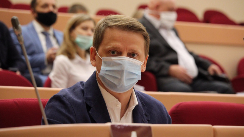 Саратовские чиновники не смогли ответить на вопрос депутата о сокращении программы помощи жителям
