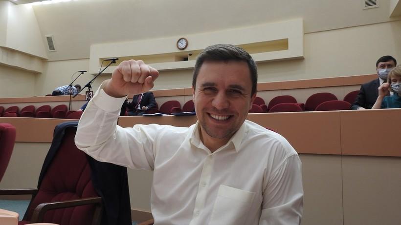 В рейтинге доверия политиков Бондаренко догоняет Навального