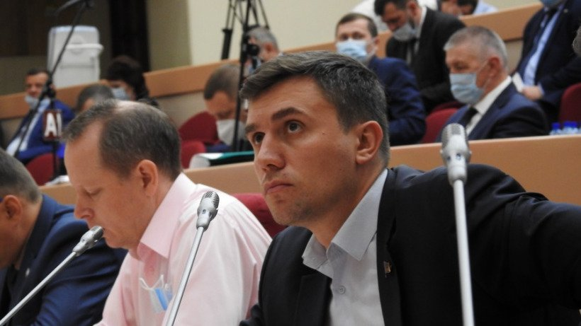 Бондаренко о повышении зарплат: «Достали из карманов людей деньги и тут же отдали чиновникам»