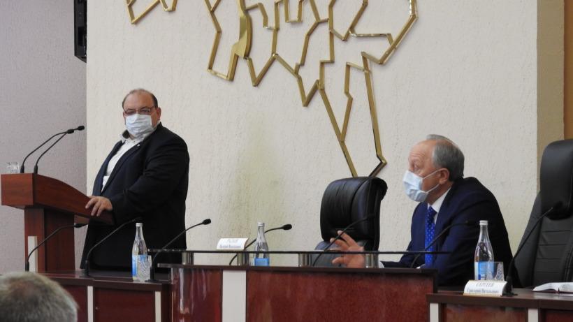Министр объяснил саратовскому губернатору, как соотносятся вакцинация и высокая заболеваемость