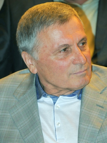 Юрий Аксёненко