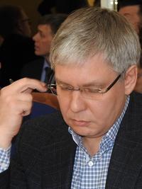 Сергей Курихин выступал против, но проголосовал за