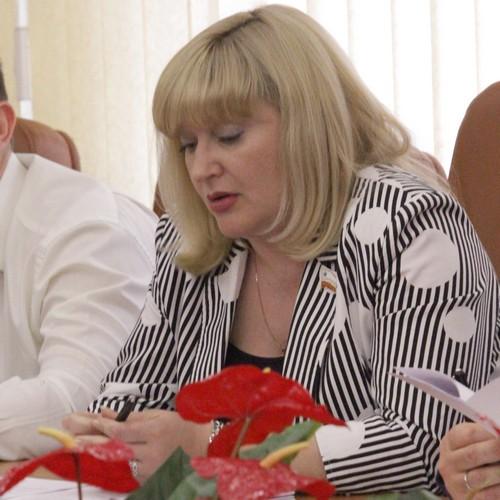 Юлия Ермакова не смогла ответить на вопросы