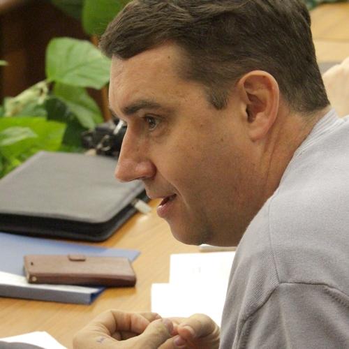 Коммунист Александр Анидалов не смог убедить единороссов