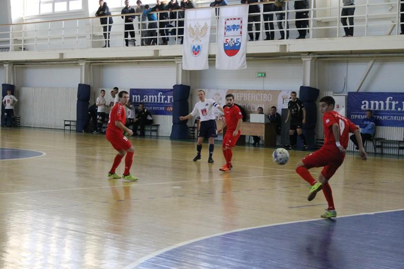 Зенит мфк саратов показать фотографии футболистах